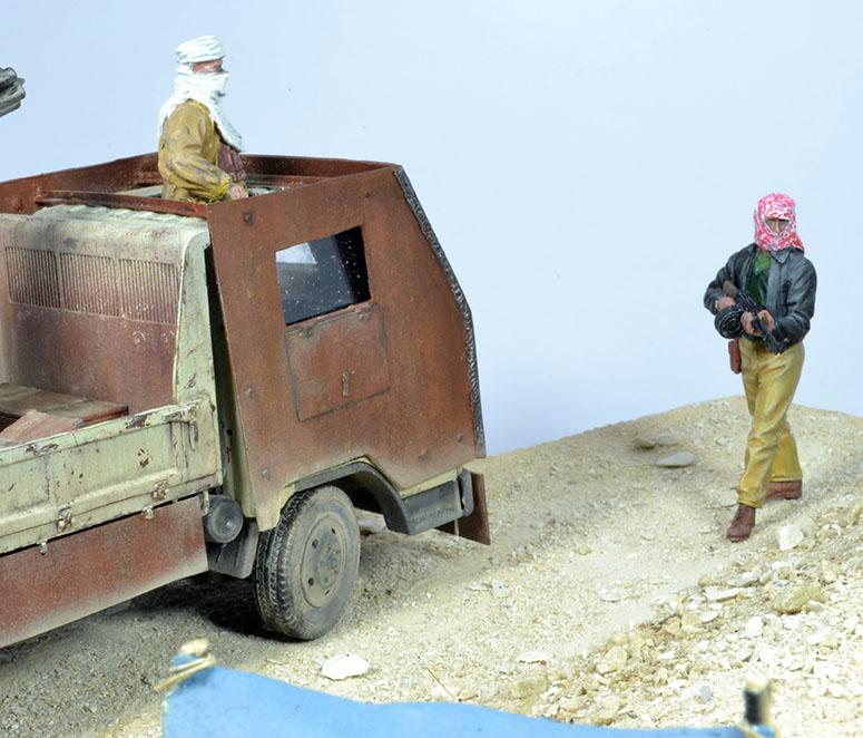 Camion Mitsubishi  blindé 1/35 (DIOPARK) - Page 4 18030807261322494215602830