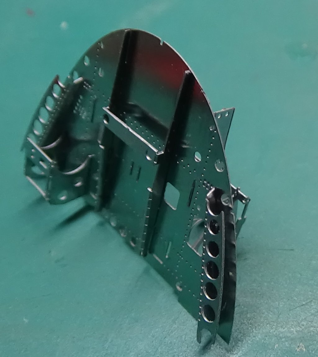 Grumman F6F-5 Hellcat 1/48e à poil ! TERMINE 18040711495223134915656387