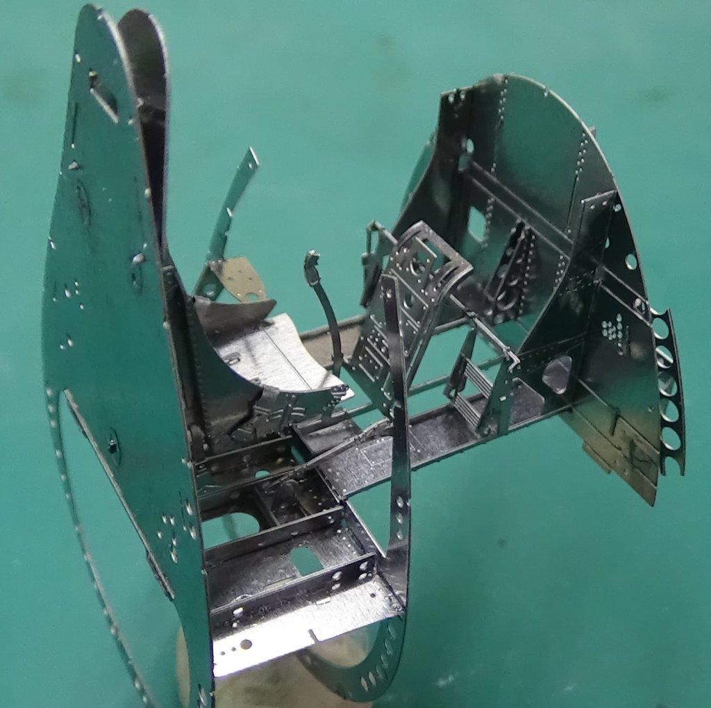 Grumman F6F-5 Hellcat 1/48e à poil ! TERMINE 18040711495723134915656388