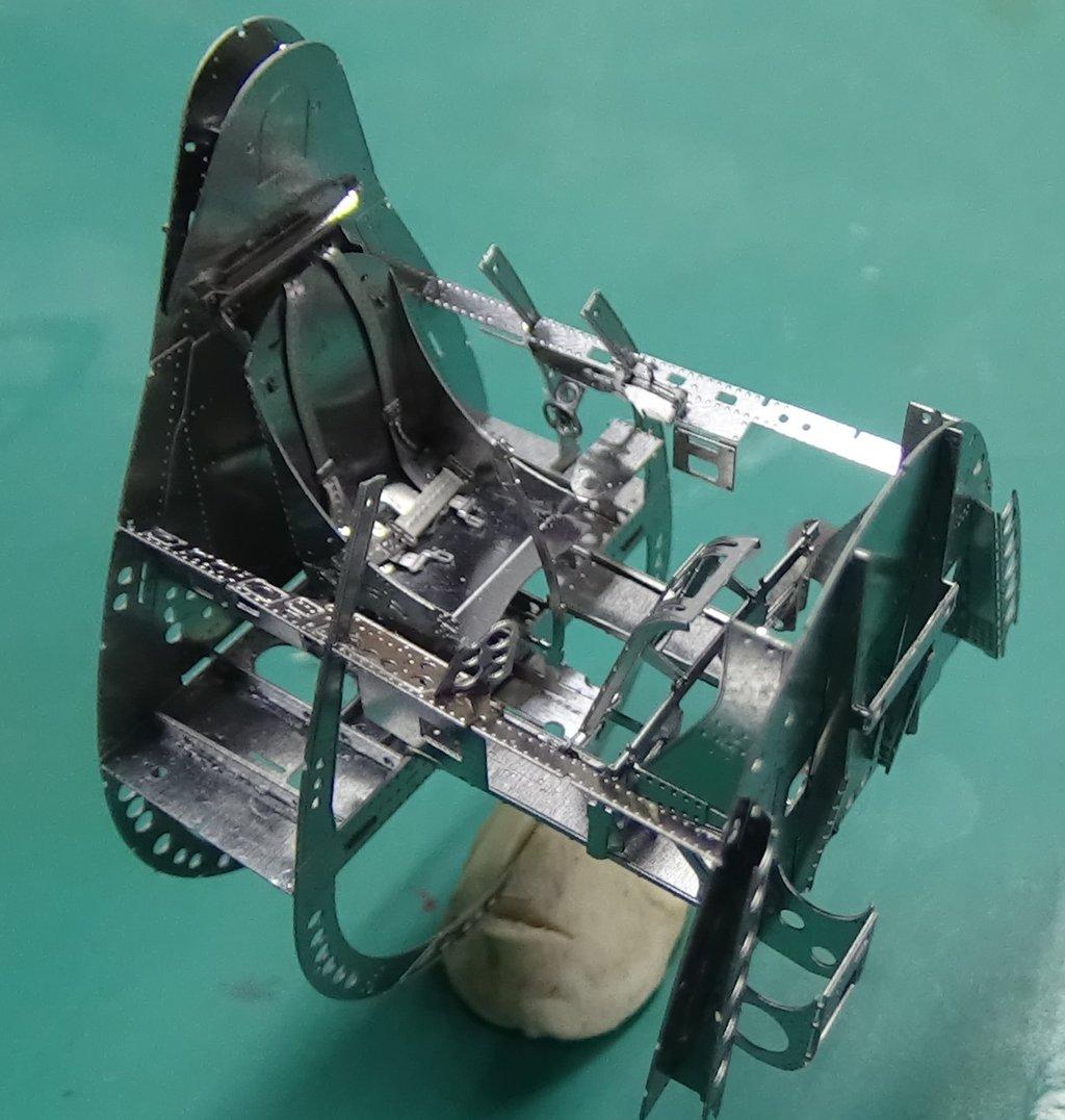 Grumman F6F-5 Hellcat 1/48e à poil ! TERMINE 18040711501723134915656392