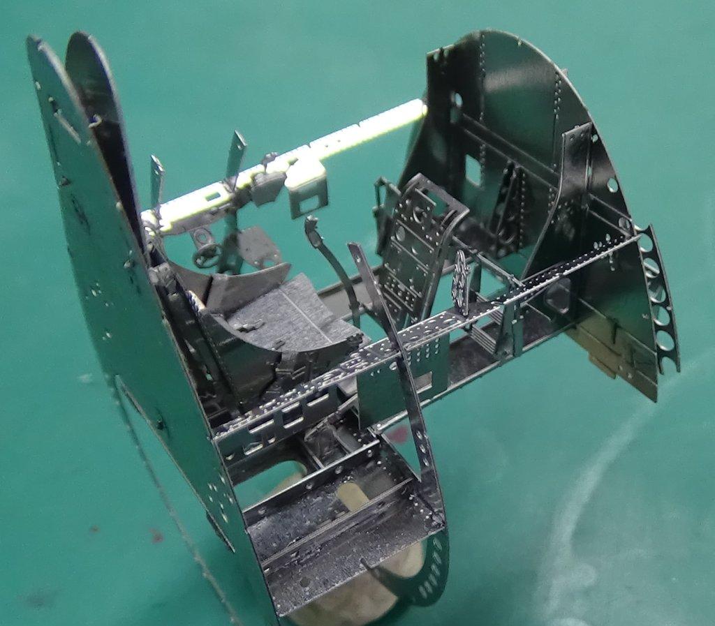 Grumman F6F-5 Hellcat 1/48e à poil ! TERMINE 18040711502123134915656393