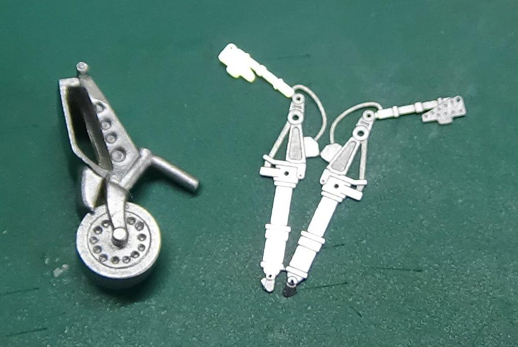 Grumman F6F-5 Hellcat 1/48e à poil ! TERMINE 18040807233823134915657900