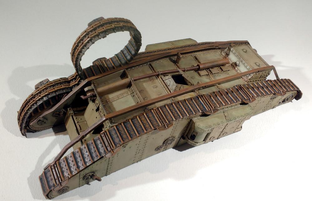 Un char MarkIV enlisé dans les Flandres en 1918 (1/35) 18041012434623099315660435