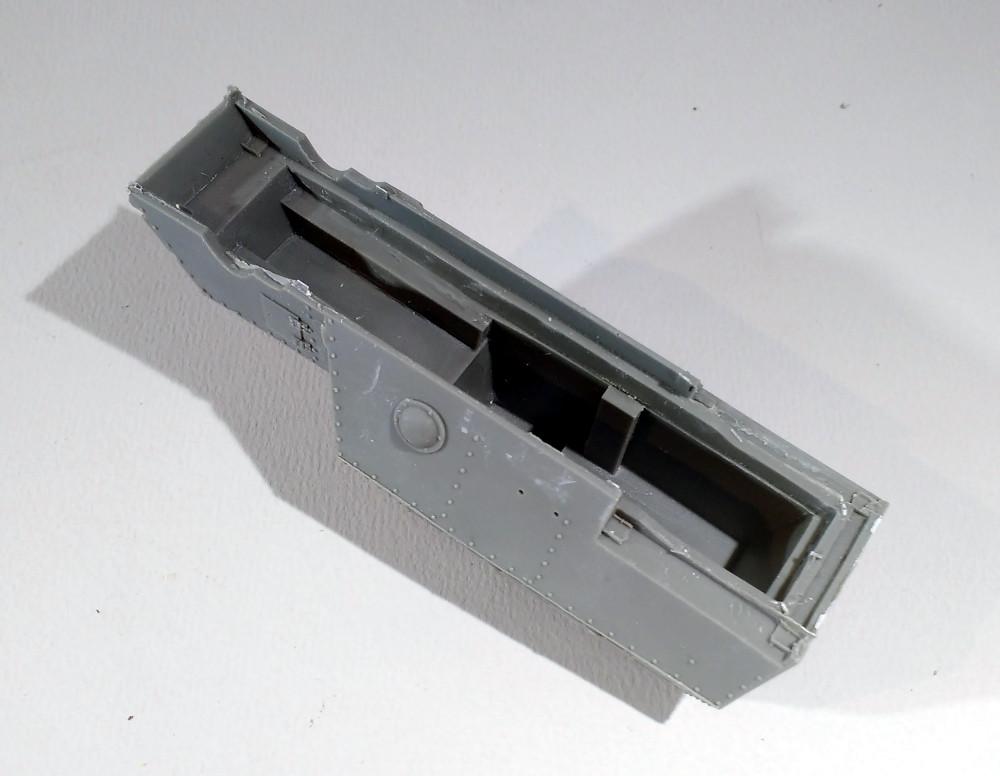 Automitrailleuse Russo Balt typeC 1914 au 1/35 (WW modelstudio) 18041106241823099315662895