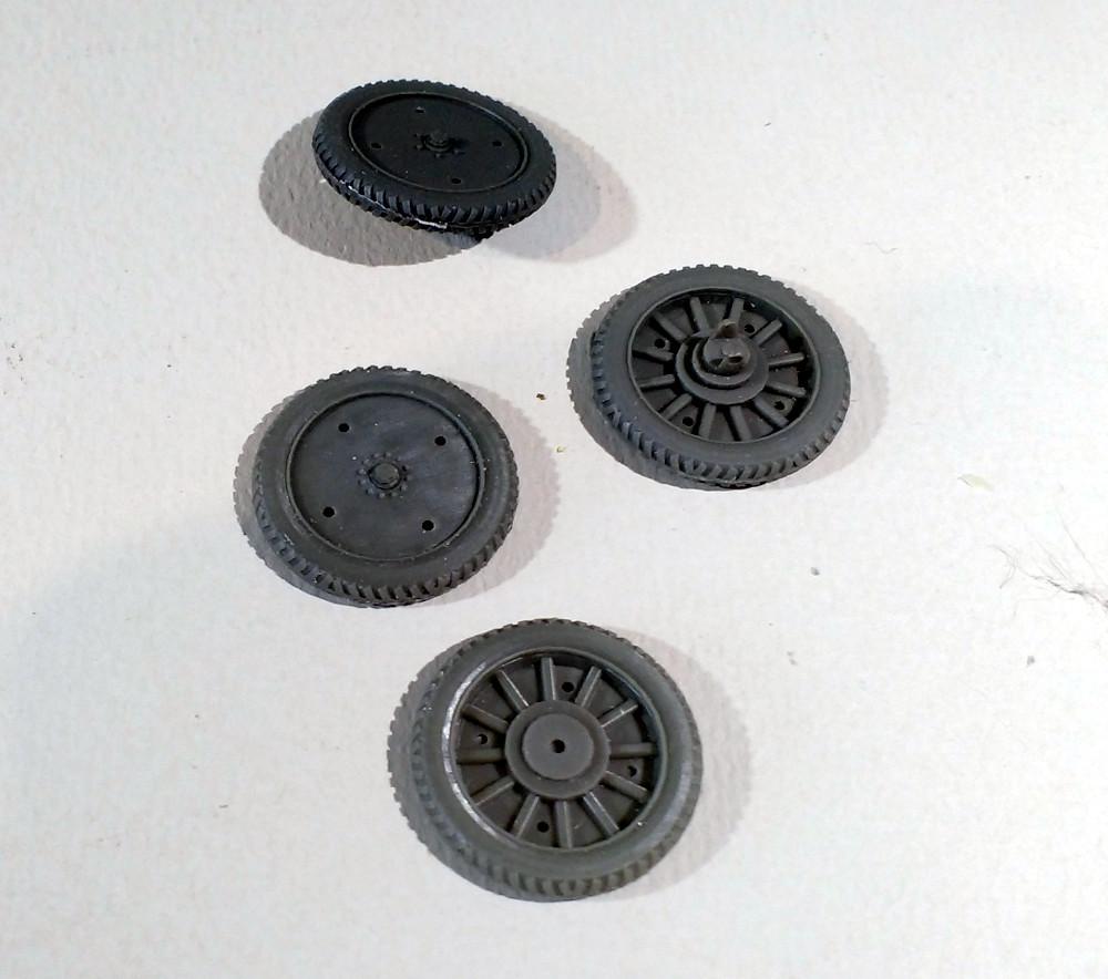 Automitrailleuse Russo Balt typeC 1914 au 1/35 (WW modelstudio) 18041106242323099315662898