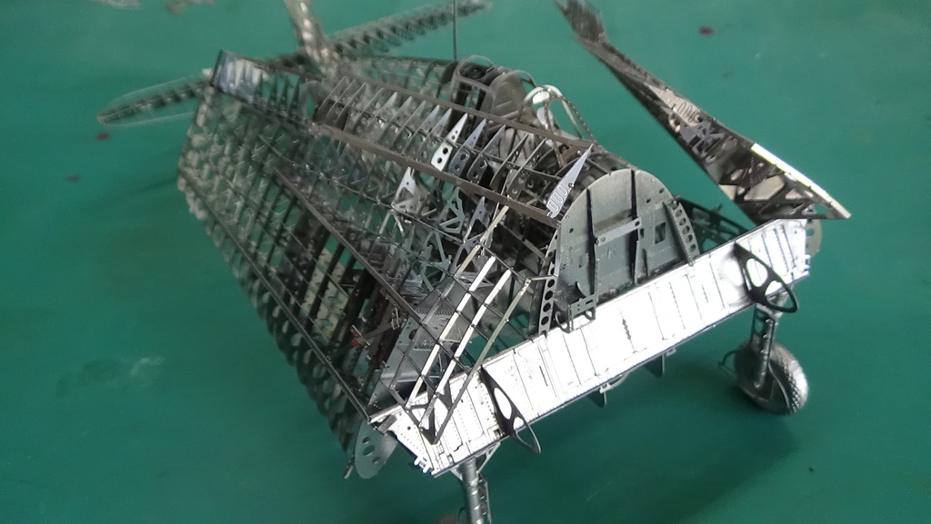Grumman F6F-5 Hellcat 1/48e à poil ! TERMINE - Page 3 18041411452823134915668214