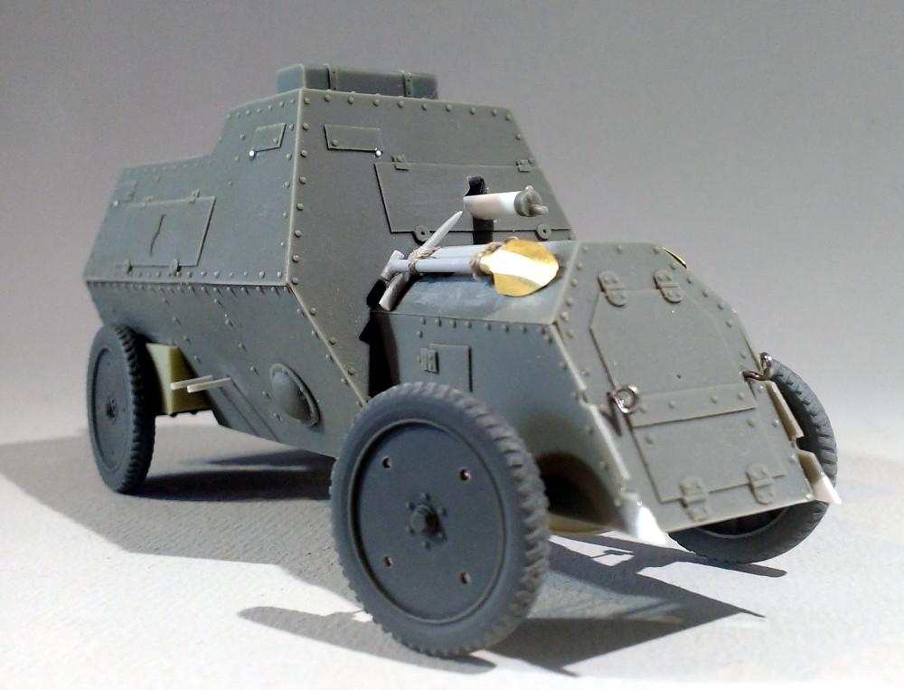 Automitrailleuse Russo Balt typeC 1914 au 1/35 (WW modelstudio) 18041607322623099315671546