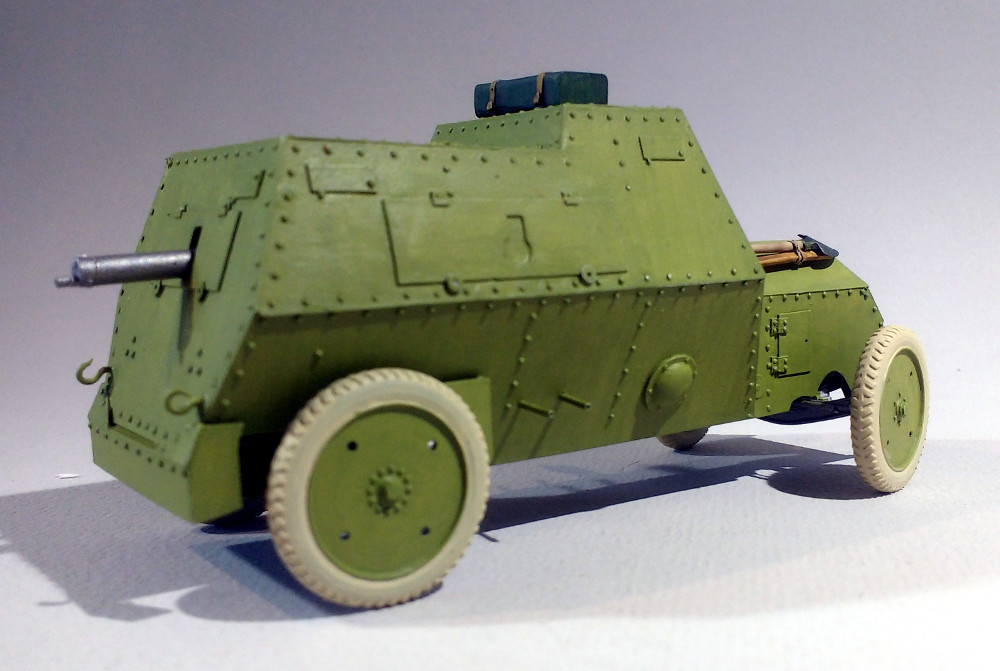 Automitrailleuse Russo Balt typeC 1914 au 1/35 (WW Modelstudio) - Page 2 18042902294823099315690705