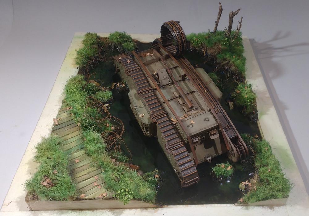 Un char MarkIV enlisé dans les Flandres en 1918 (1/35) 18050710280823099315703604