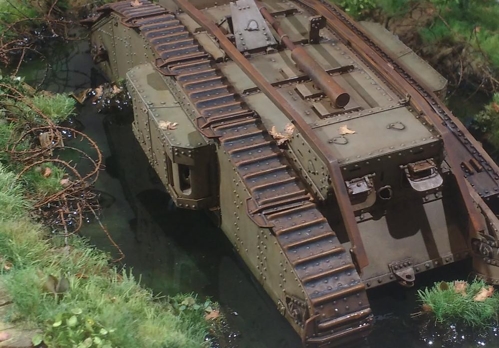 Un char MarkIV enlisé dans les Flandres en 1918 (1/35) 18050710281223099315703606