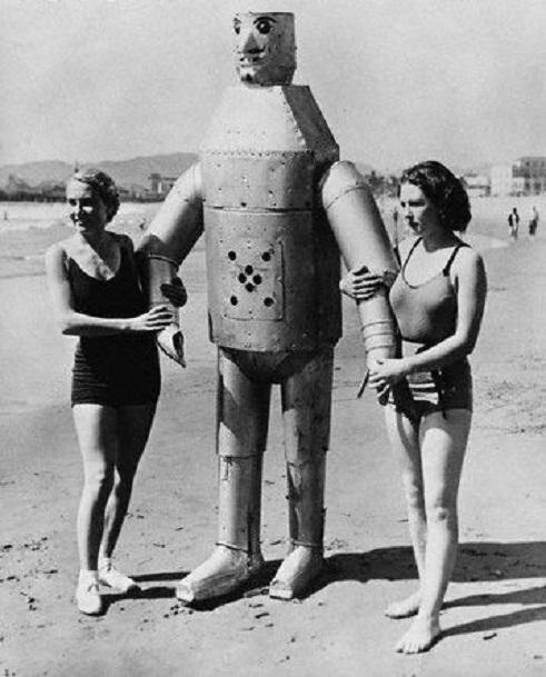 ROBOTIKMACHINE - Le robot à la plage dans Robotikmachine 18060208291515263615741411