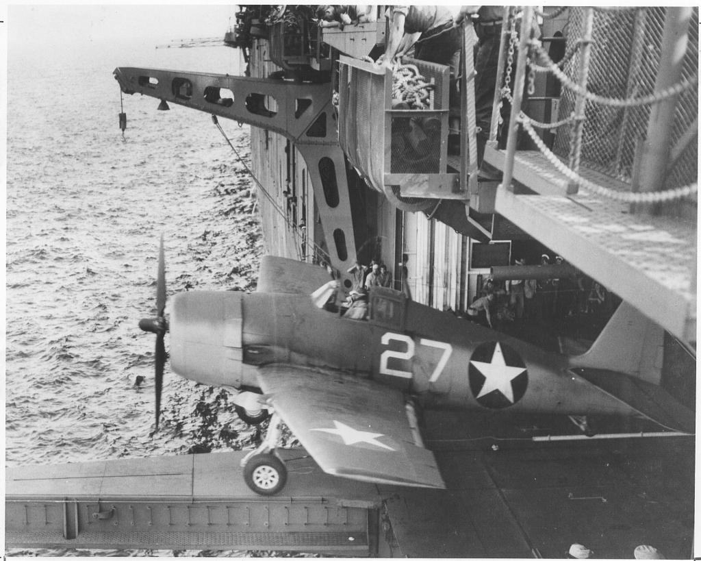 "USS HORNET CV-8 ""Raid on Tokyo"" 1/350 de Trumpeter - Page 4 18060405263323134915745798"