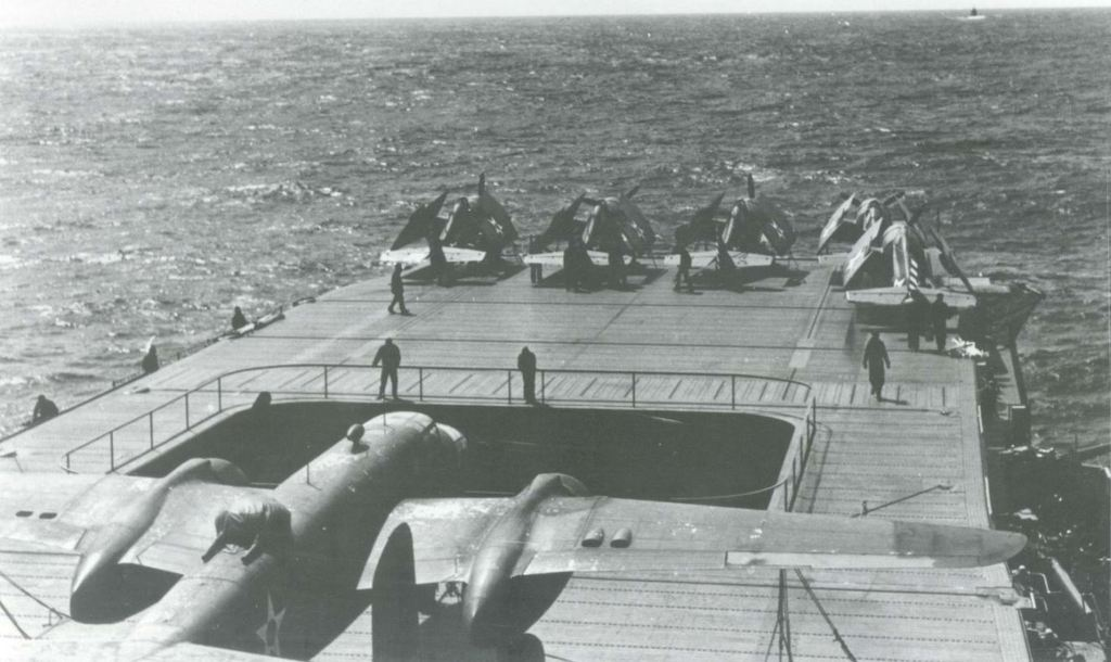<< USS Hornet CV-8 Merit International | N° 62001 | 1:200 >> - Page 4 18060506001723134915747399