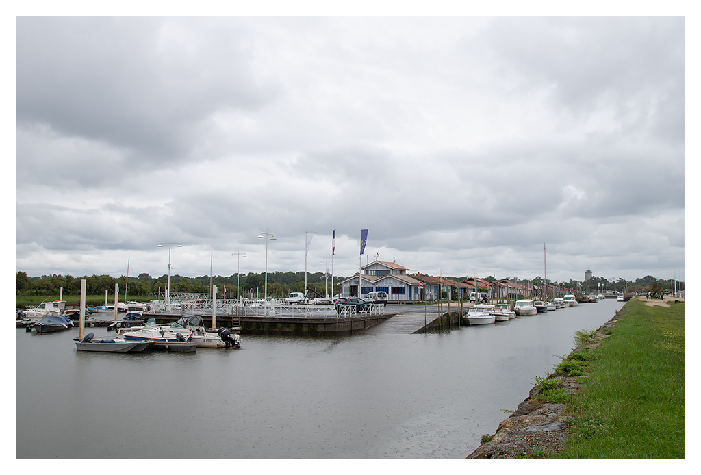 Port de Audenge (sous la pluie). 18070510431017005515794424