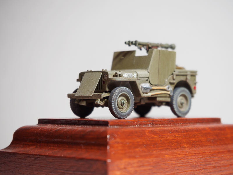 Armored 4x4 Truck / Ardennes 1945 [Dragon, 1/72] 18072302461224220515819306