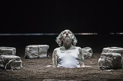 Littoral, de Wajdi Mouawad, mise en scène Simon Delétang, Théâtre du Peuple 2018 - Littoral3?®JeanLouisFernandez127
