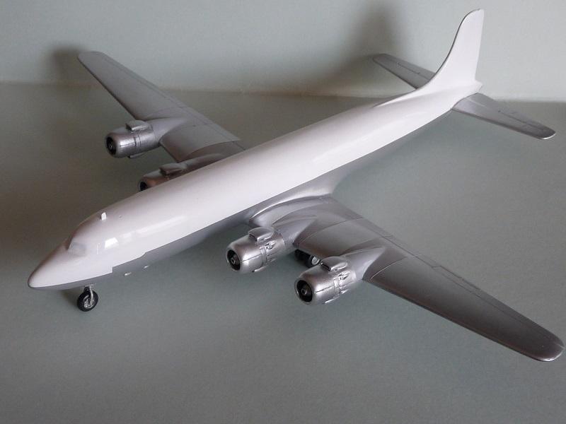 DC-6B  Minicraft 1/144 - Page 2 1807310504535669815829768