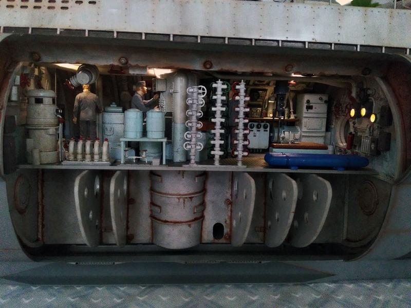 U-552 TRUMPETER Echelle 1/48 - Page 23 18081510142323648415848335
