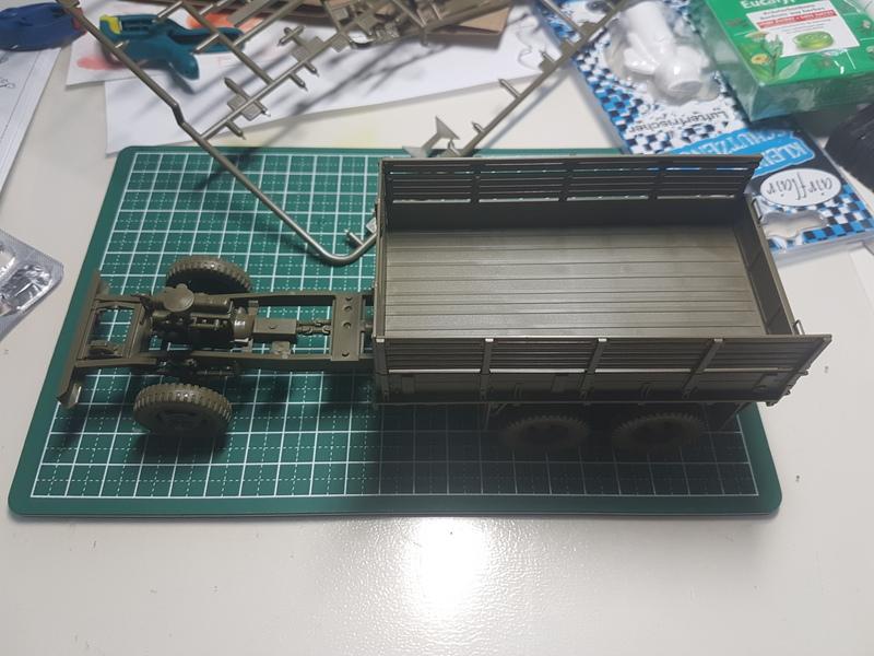 US 2 1/2 Ton 6x6 Cargo Truck 1/35 Tamiya 18090309021124268715876240