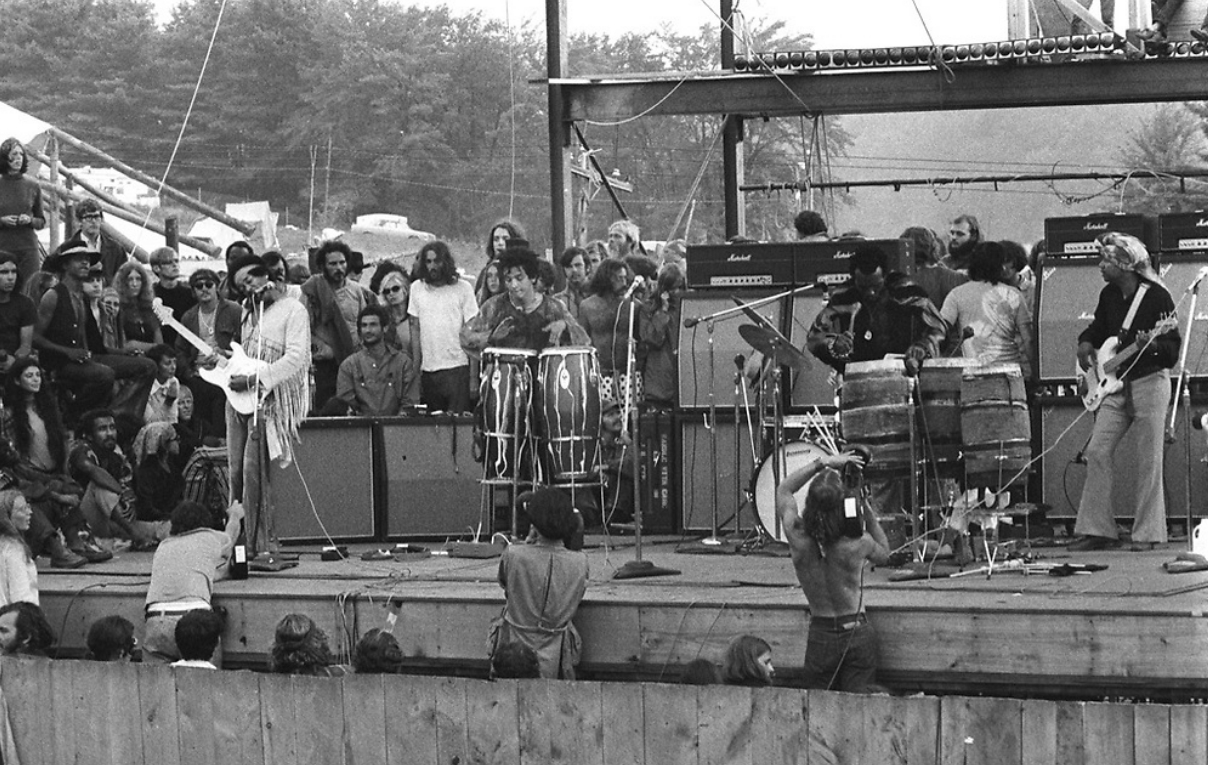 Live At Woodstock (1999) - Page 5 1809060729256042415879596