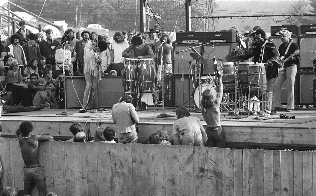 Live At Woodstock (1999) - Page 5 1809060729256042415879598