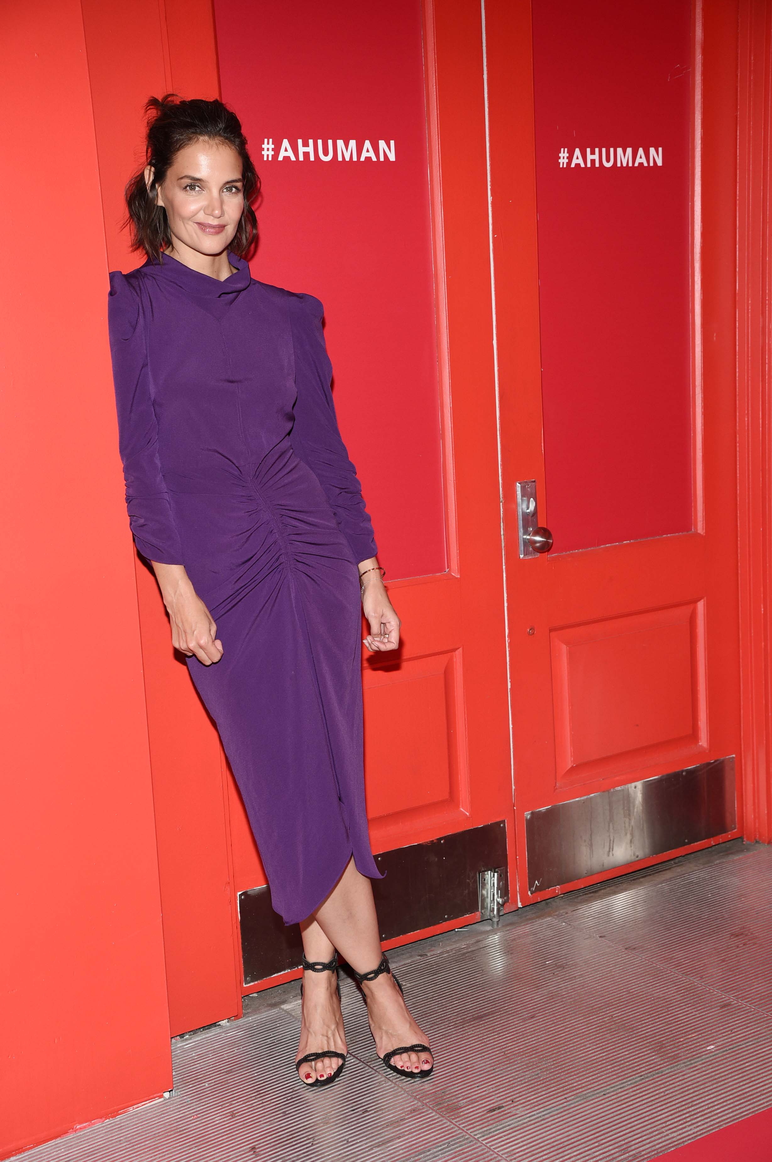 katie-holmes-a-human-experience-exhibit-in-nyc-9418-13