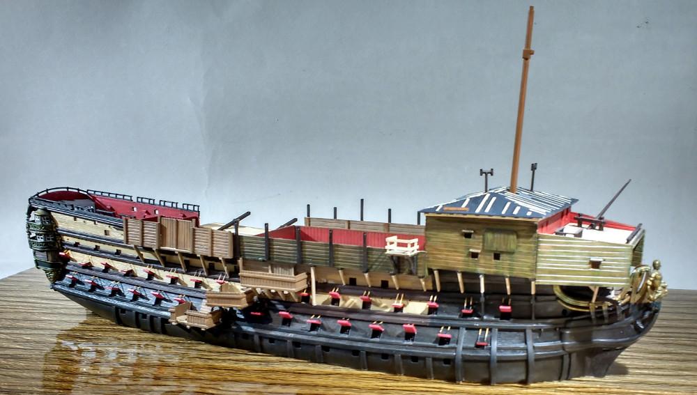 Un ponton prison anglais de la Révolution ou de l'Empire 1/200 sur base HELLER - Page 9 18092509424623099315910940