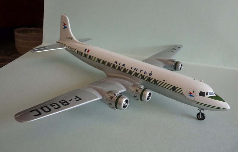 DC-6B  Minicraft 1/144 - Page 2 1809251233425669815910187