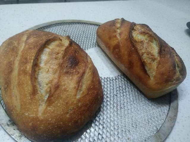 20181005-no-knead_bread-baked