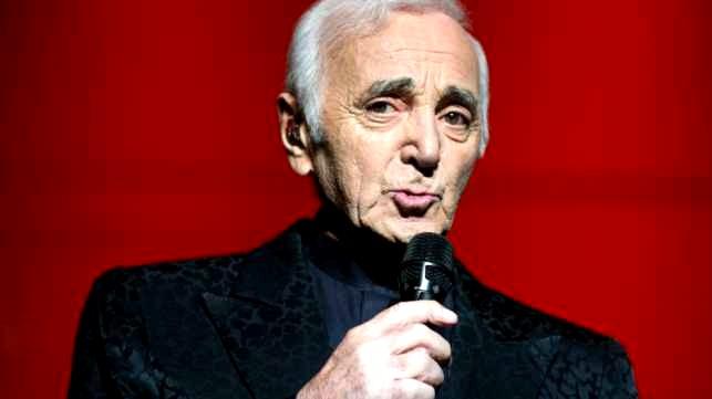 Aznavour costume noir