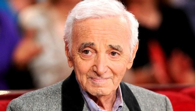 Aznavour costume gris