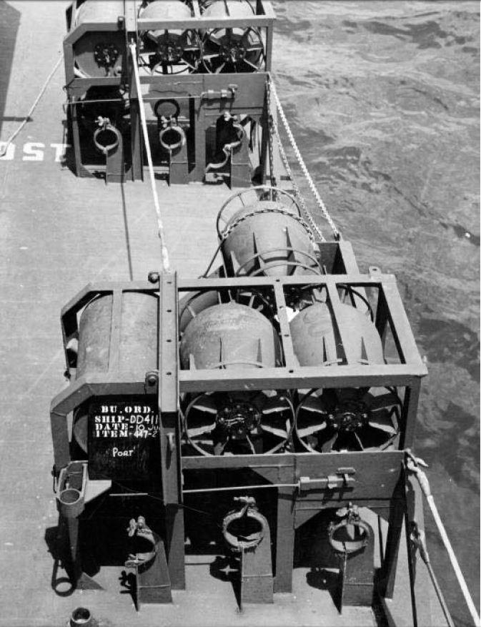 USS Gearing DD-710 1945 Dragon 1/350ème - Page 3 18101411325923134915941501
