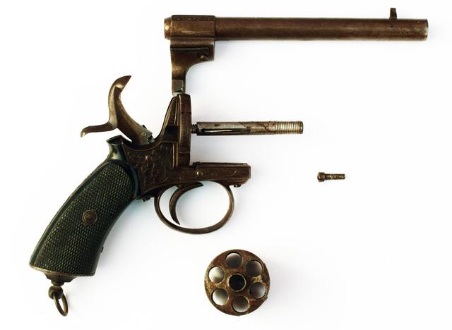 Revolver système Lefaucheux 18101712410418835615947703
