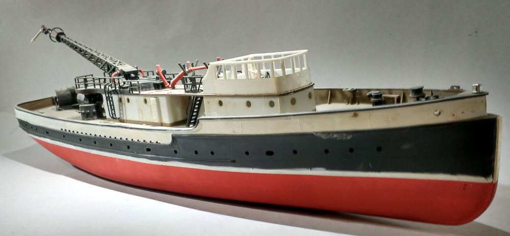 Epave de bateau pompe tirée du grenier 18110805221223099315986582