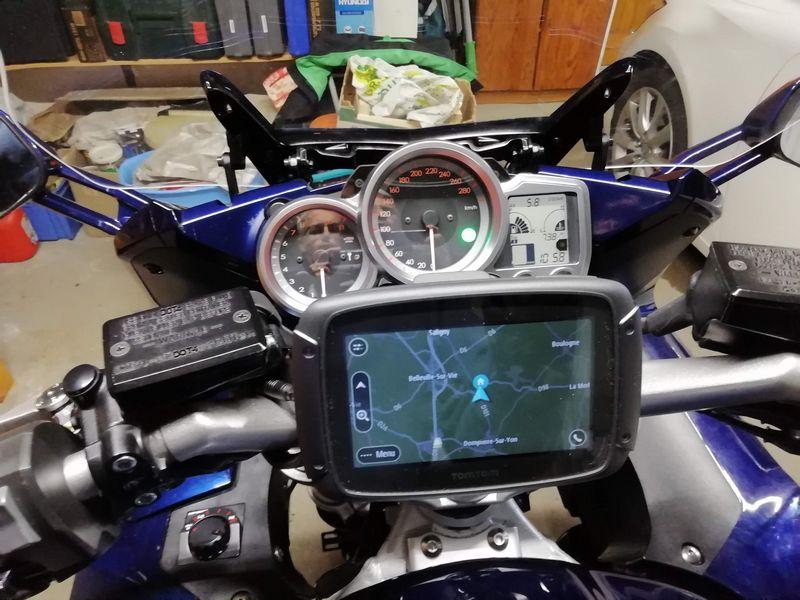 Brancher le GPS à la moto débat Inc vs ang Dating Daan