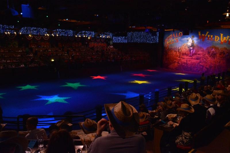 La Légende de Buffalo Bill… avec Mickey et ses Amis ! - Page 7 18123010012923968016053881