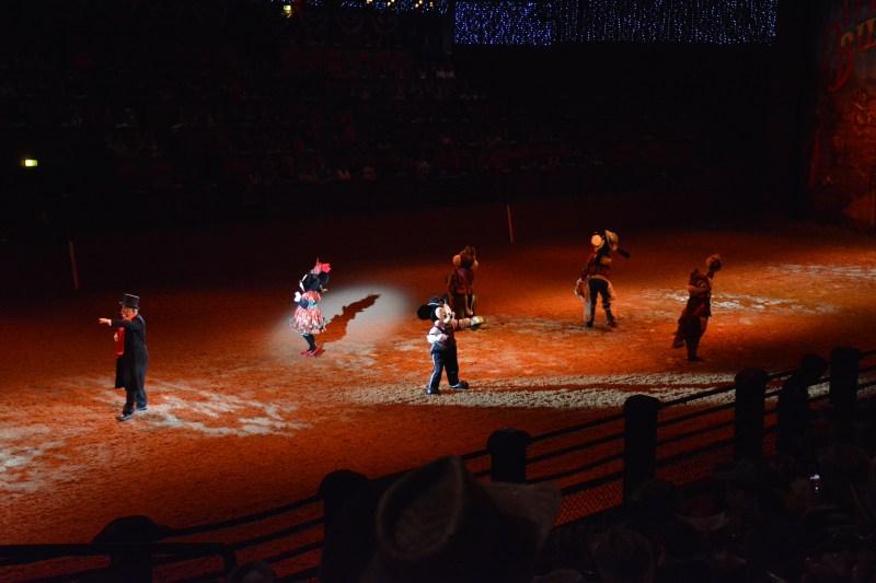 La Légende de Buffalo Bill… avec Mickey et ses Amis ! - Page 7 18123010013023968016053883