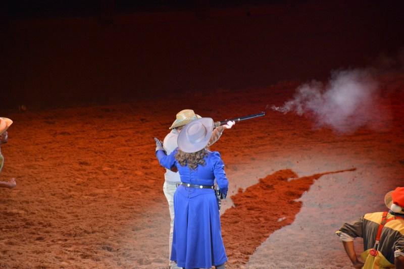 La Légende de Buffalo Bill… avec Mickey et ses Amis ! - Page 7 18123010013123968016053888