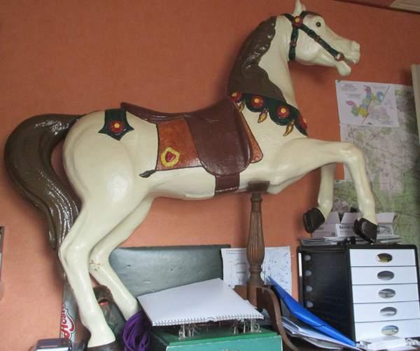 cheval vitrines