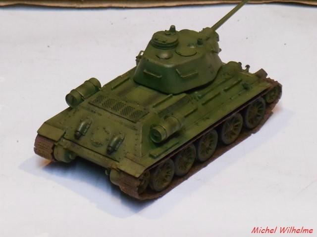 T34/76  Lance flamme . 1/72 maquette UM 1902050609235625616107927