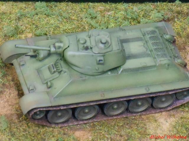 T34/76  modéle 1940  .début de  version. 1/72 maquette UM 1902150834295625616120690