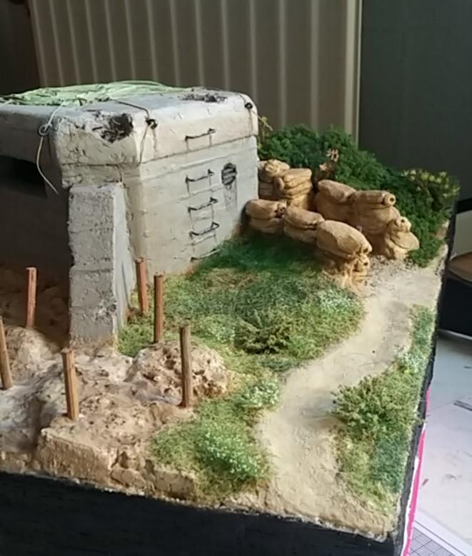 Retour au bunker  19021602425421807616122111