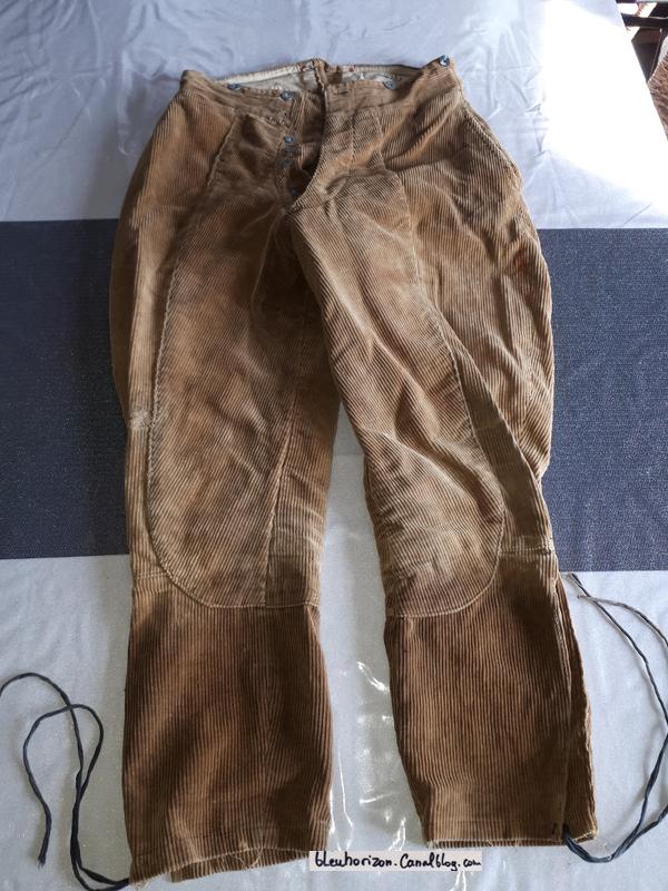 Au sujet du pantalon de l'uniforme du capitaine Brocard, de la N3 . 19021903582323469216125976