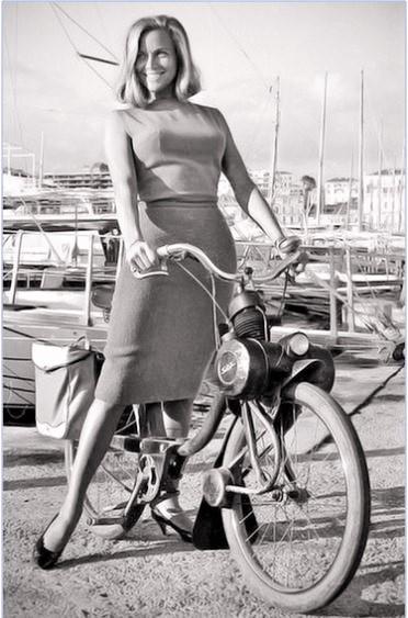 Honor Blackman 1964