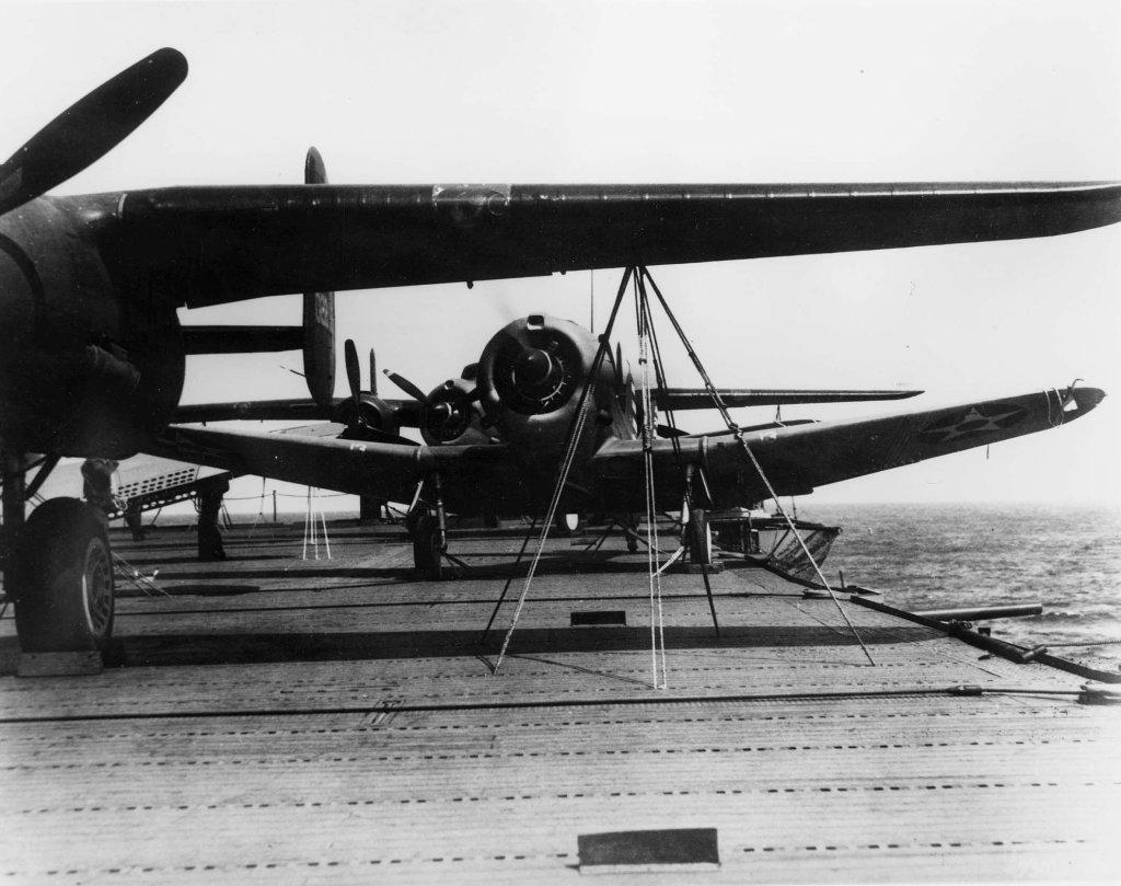 "USS HORNET CV-8 ""Raid on Tokyo"" 1/350 de Trumpeter - Page 11 19022407062323134916133960"