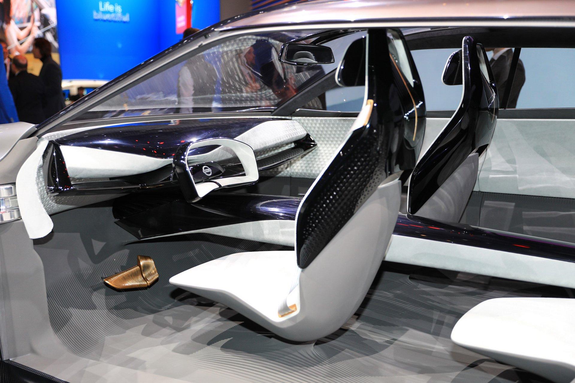da6035f5-nissan-unveils-imq-concept-geneva-3
