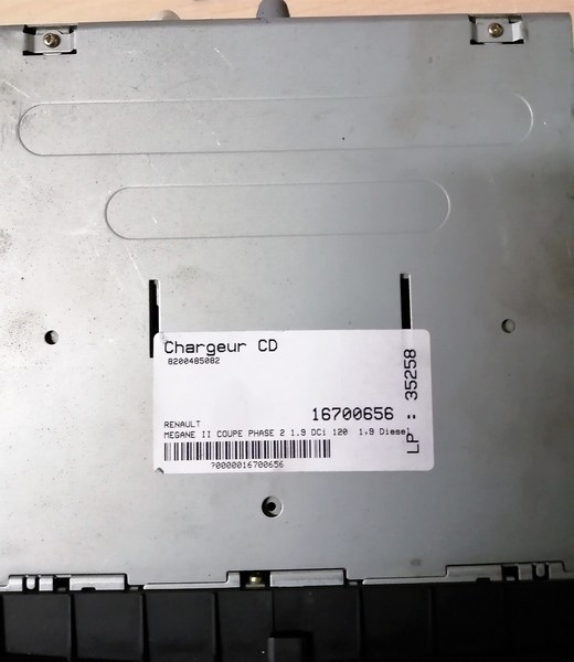 Chargeur cd 2