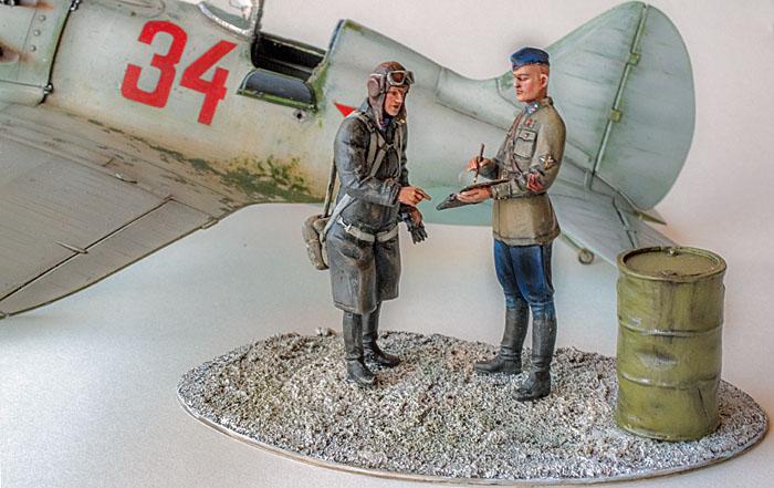 Figurines de pilotes et de mécaniciens ww2 + maquettes d'avions 19032606312814703416176117