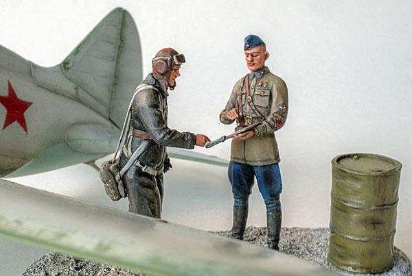 Figurines de pilotes et de mécaniciens ww2 + maquettes d'avions 19032606591414703416176257