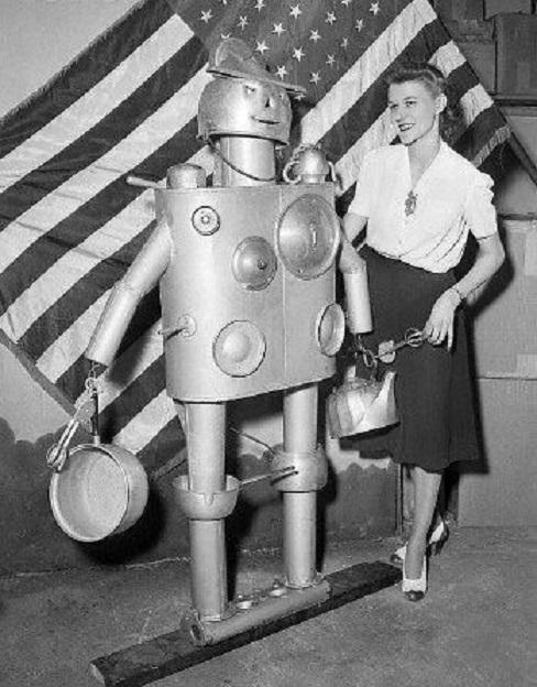 ROBOTIKMACHINE - Le robot gamelle dans Robotikmachine 19041108350415263616195854